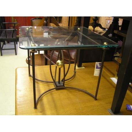 table carr e pied en en fer forg et sur moinat sa antiquit s d coration. Black Bedroom Furniture Sets. Home Design Ideas