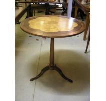Pedestal table, Louis XVI style, in cherry