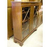 Showcase English mahogany 2 door
