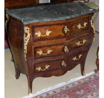 Commode, style Louis XV, marquetée à