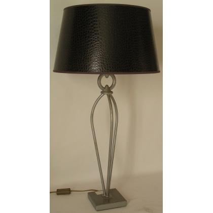 Lampe en fer avec abat-jour en faux