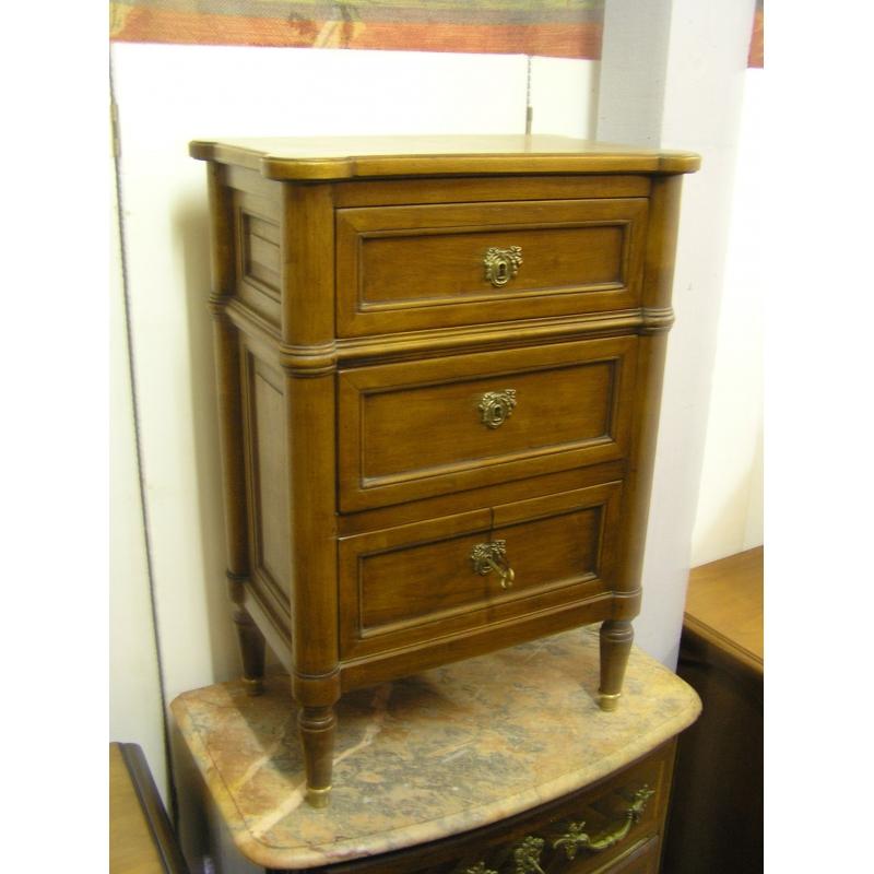 petit chevet style louis xvi en bois sur moinat sa antiquit s d coration. Black Bedroom Furniture Sets. Home Design Ideas