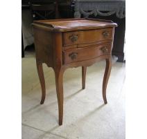 Table de chevet  style Louis XV modèle