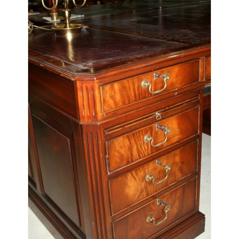 bureau anglais en acajou dessus cuir sur moinat sa antiquit s d coration. Black Bedroom Furniture Sets. Home Design Ideas