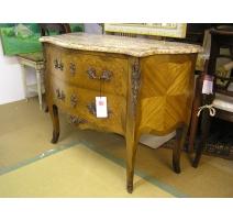 Petite Commode style Louis XV en bois