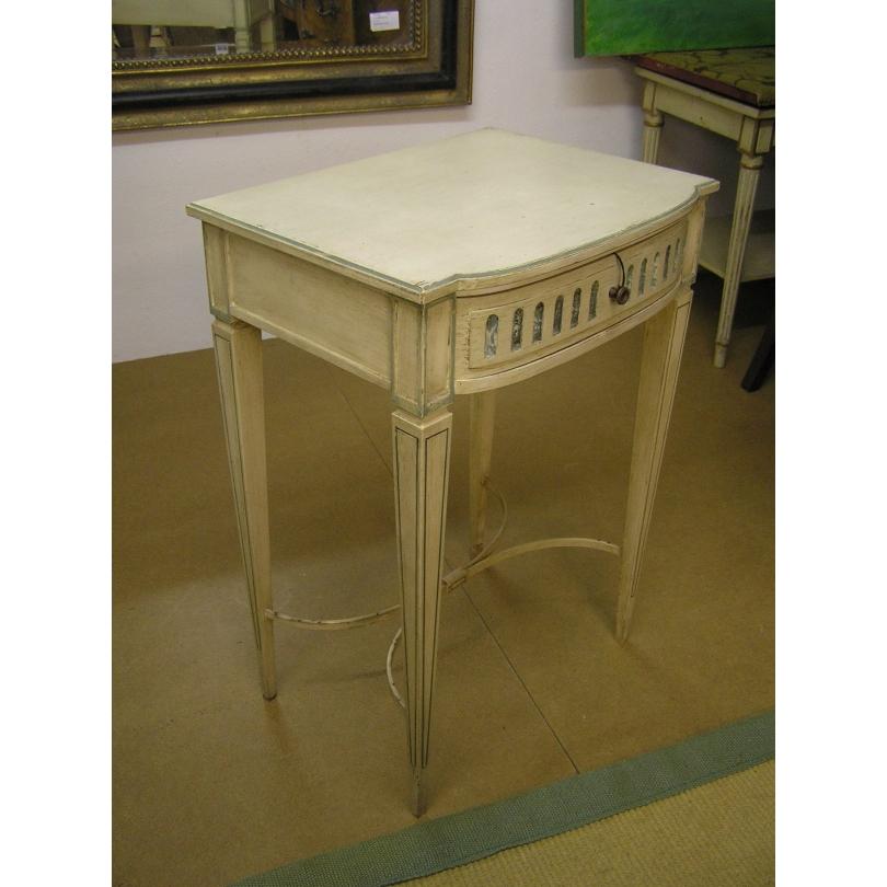 Chevet style Louis XVI en bois laqué