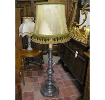 Floor lamp in pewter with lampshade