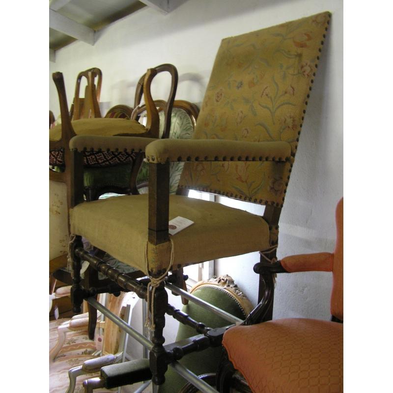 fauteuil louis xiii sur moinat sa antiquit s d coration. Black Bedroom Furniture Sets. Home Design Ideas