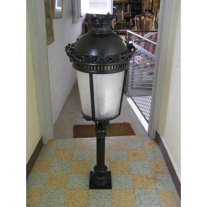 Lanterne borne sur pilier noire, verre
