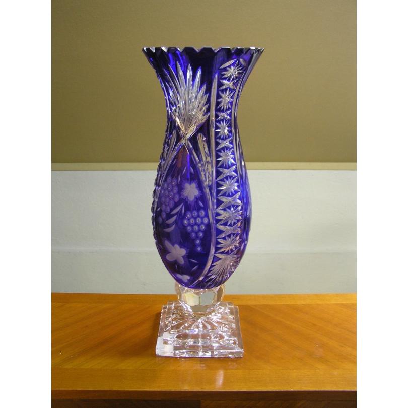 Vase en cristal couleur cobalt