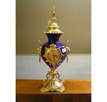 Pendule en cristal bleu et bronze doré