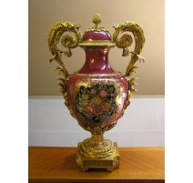 Porcelain Vase red with bronze