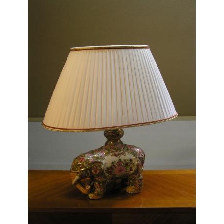 lampe el phant avec abat jour beige sur moinat sa antiquit s d coration. Black Bedroom Furniture Sets. Home Design Ideas