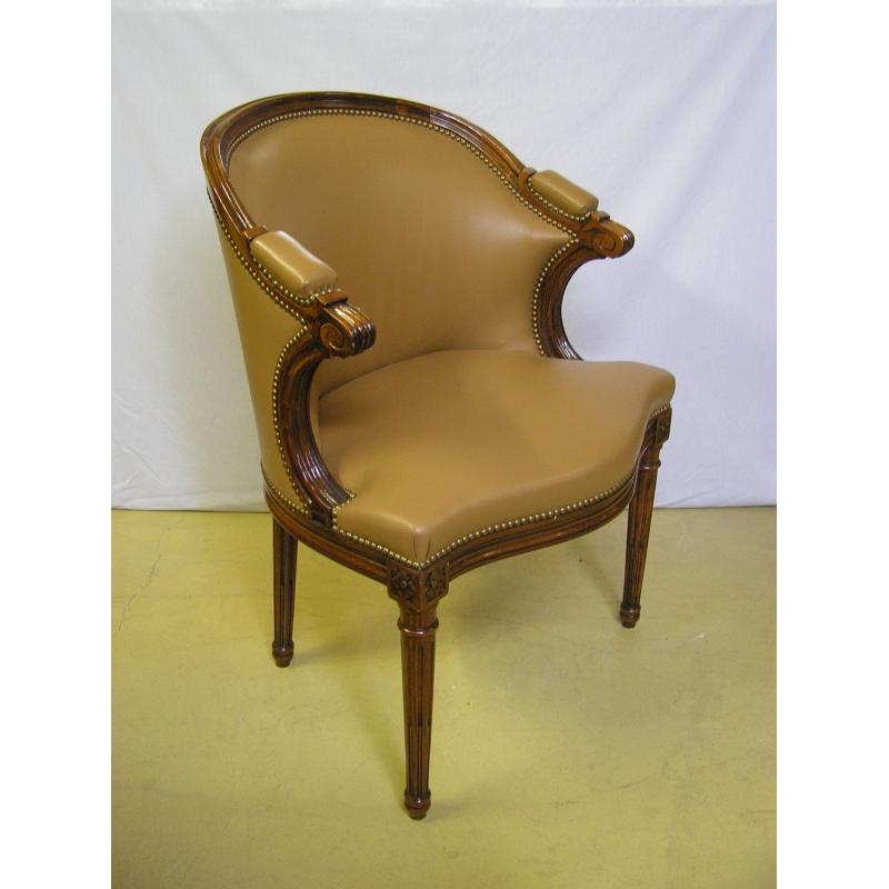 fauteuil style louis xvi cuir havane sur moinat sa. Black Bedroom Furniture Sets. Home Design Ideas