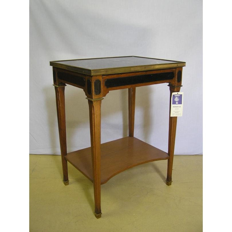 Table de chevet style Directoire,
