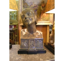 Bust in plaster patinated dancer