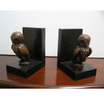 "Pair of bookends, ""Owl"", base"