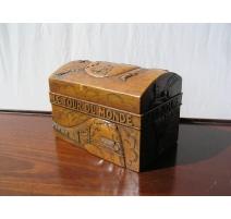 """Coffre """"Tour du Monde""""  en pierre"""