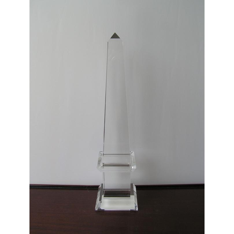 Obélisque en verre clair