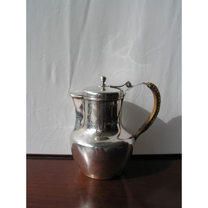 Petit pot à eau en argent par BOULENGER