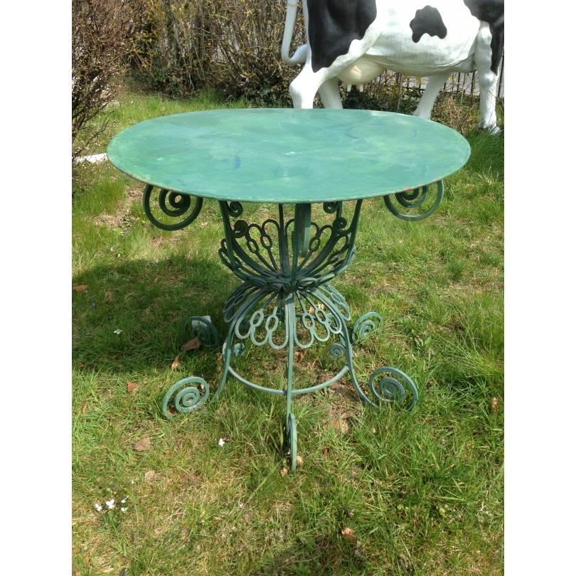 Table de jardin en fer forgé verte