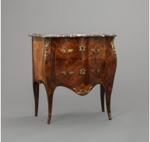 "Commode Louis XV estampillée ""J.F."