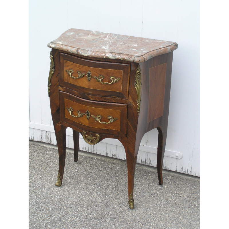 petite commode louis xv estampill e sur moinat sa antiquit s d coration. Black Bedroom Furniture Sets. Home Design Ideas