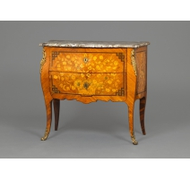 Commode Louis XV estampillée J. BIRCKLE