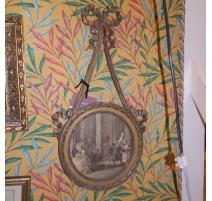 Paire de cadres ronds Louis XVI en bois