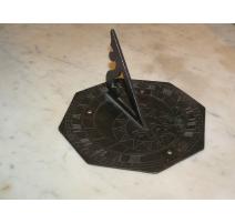 Cadran solaire en bronze