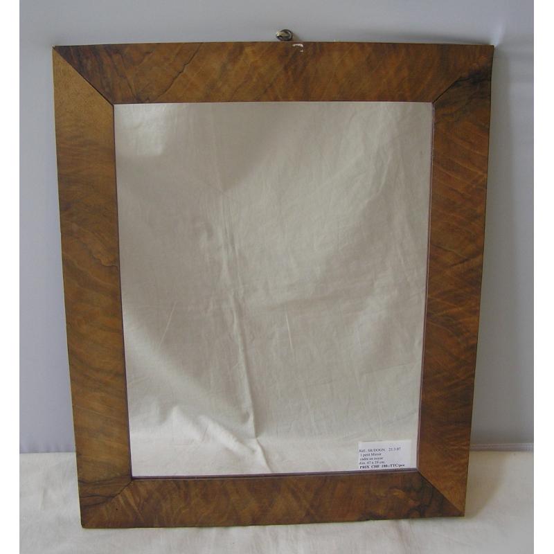 Petit miroir cadre en noyer sur moinat sa antiquit s for Miroir cadre miroir