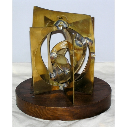Sculpture en laiton , n° 110, datée