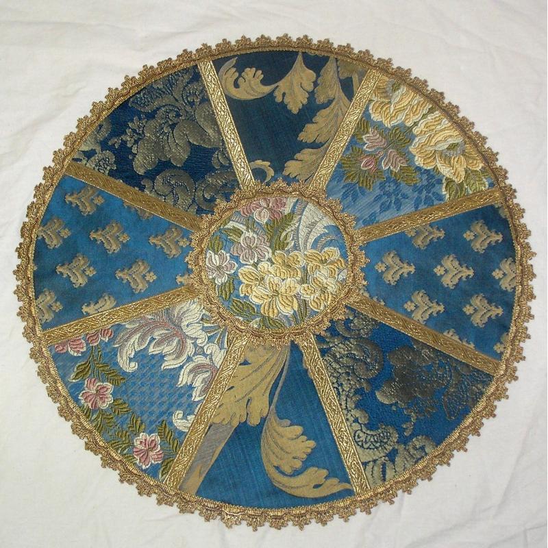 tapis rond bleu sur moinat sa antiquit s d coration. Black Bedroom Furniture Sets. Home Design Ideas