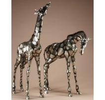 Paire de girafes en bronze argenté