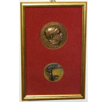 Cadre avec 2 médailles en bronze