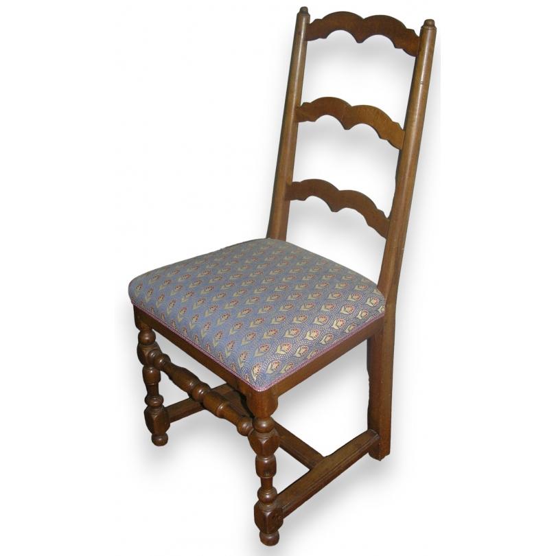 Série de 6 chaises Louis XIII avec entretoise en H