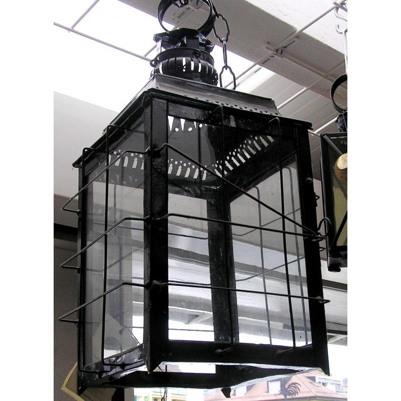 lanterne a suspendre fer forg noir sur moinat sa antiquit s d coration. Black Bedroom Furniture Sets. Home Design Ideas