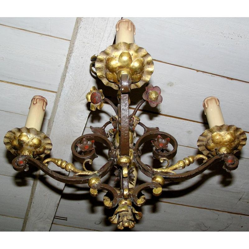 lustre en fer forg sur moinat sa antiquit s d coration. Black Bedroom Furniture Sets. Home Design Ideas