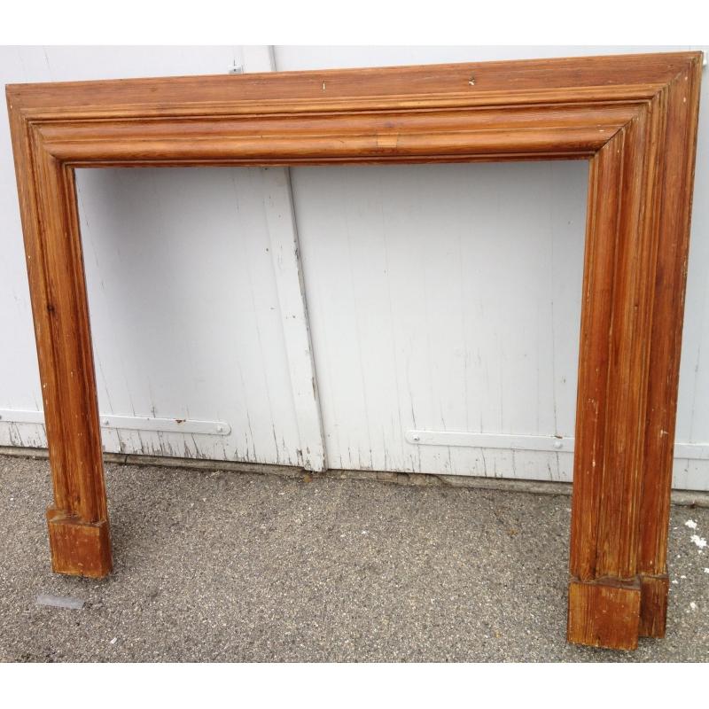 entourage de chemin e en bois sur moinat sa antiquit s. Black Bedroom Furniture Sets. Home Design Ideas