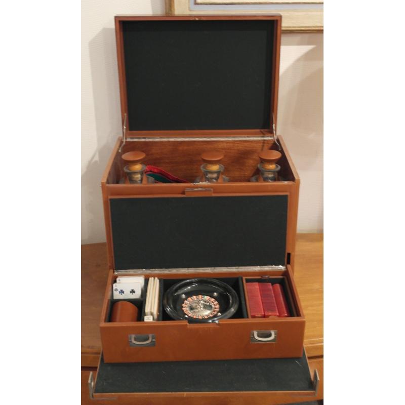 Boite jeux en cuir pour loewe 1846 sur moinat sa for Boite a jeux