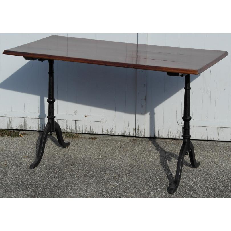 table de bistrot rectangulaire sur moinat sa antiquit s. Black Bedroom Furniture Sets. Home Design Ideas