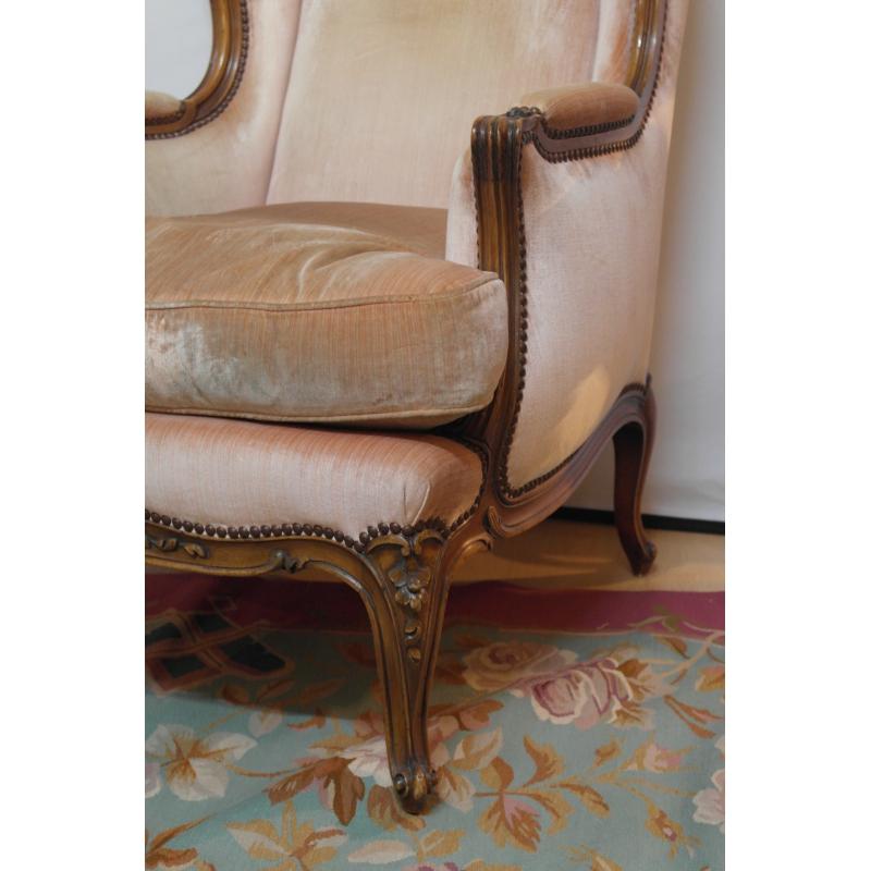 berg re oreilles en noyer sur moinat sa antiquit s d coration. Black Bedroom Furniture Sets. Home Design Ideas
