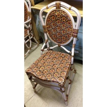 Chaise modèle Daisy en bois blanc et