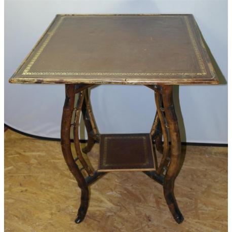 table en bambou dessus cuir sur moinat sa antiquit s d coration. Black Bedroom Furniture Sets. Home Design Ideas