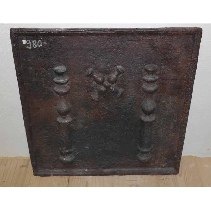 plaque de chemin e en fonte sur moinat sa antiquit s d coration. Black Bedroom Furniture Sets. Home Design Ideas