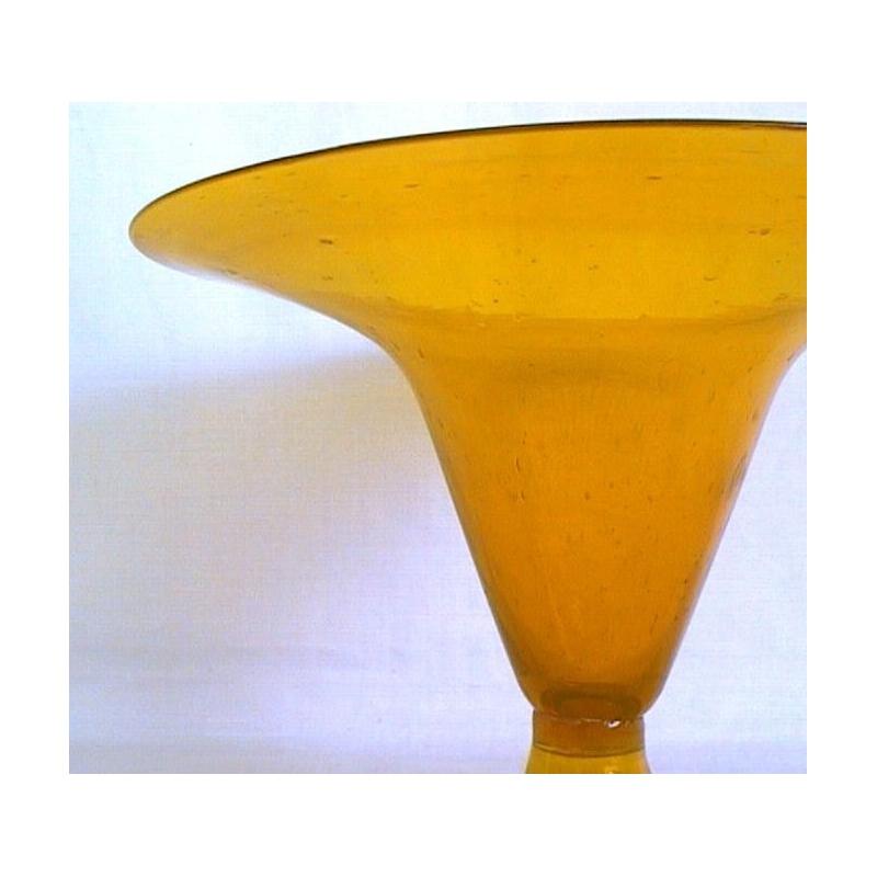 coupe en verre jaune sur moinat sa antiquit s d coration. Black Bedroom Furniture Sets. Home Design Ideas
