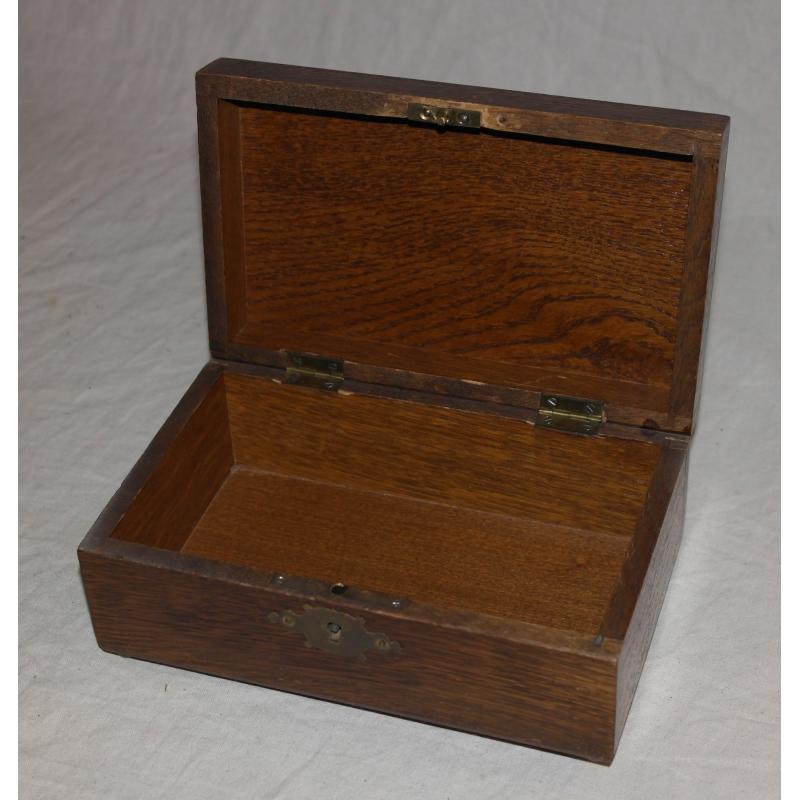 petite bo te en bois sur moinat sa antiquit s d coration. Black Bedroom Furniture Sets. Home Design Ideas