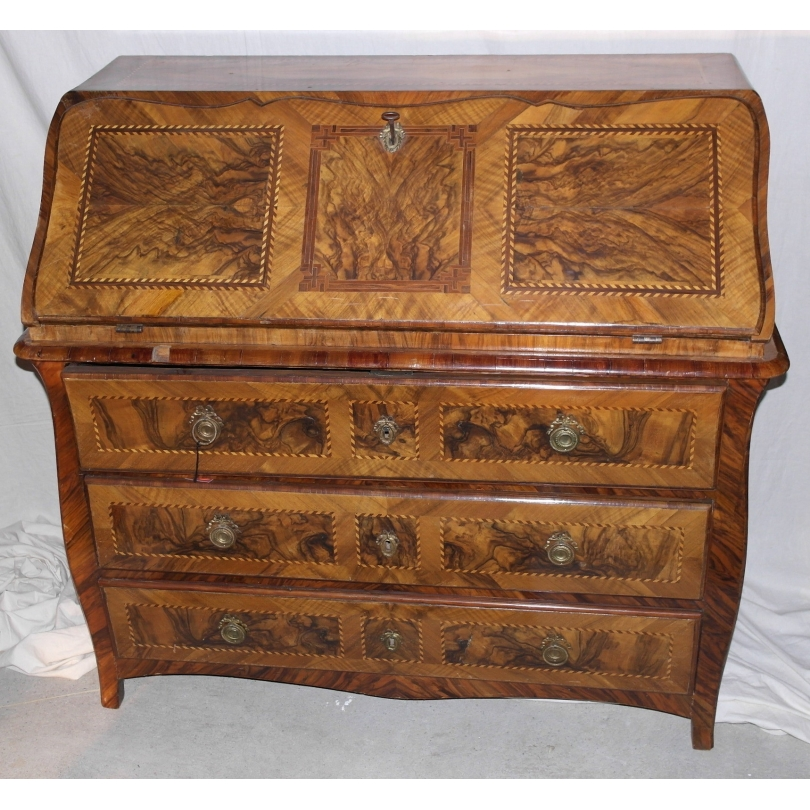 bureau commode vaudois en noyer et sur moinat sa antiquit s d coration. Black Bedroom Furniture Sets. Home Design Ideas