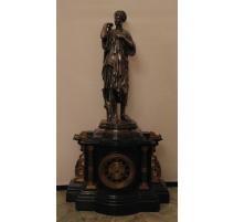 Pendule Napoléon III en marbre noir et