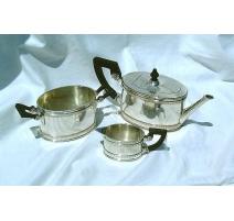 Service à thé de Pochon, monogrammé R.M.